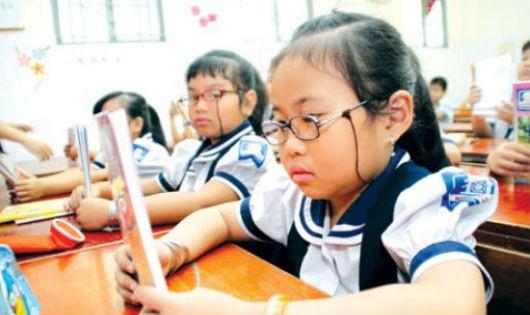 Cận thị ở trẻ em là một trong những bệnh học đường đang gia tăng nhanh.