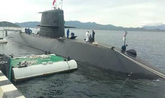 Tàu ngầm huấn luyện Nhật Bản lần đầu tiên đến Việt Nam.