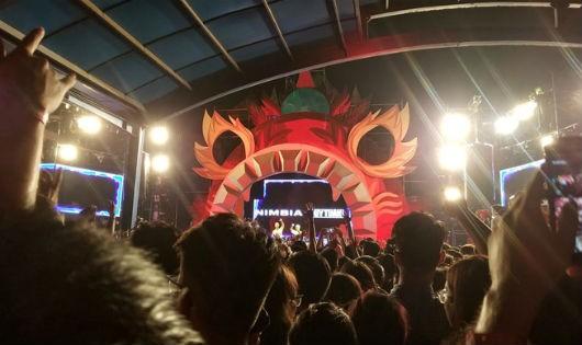 Hình ảnh tại lễ hội âm nhạc tối 16/9 tại công viên nước hồ Tâ
