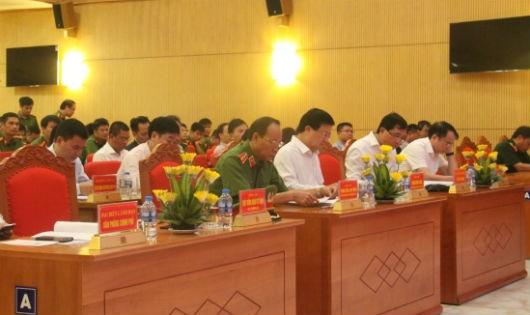 Đồng chí Trịnh Đình Dũng, Phó Thủ tướng Chính phủ dự và chỉ đạo Hội nghị