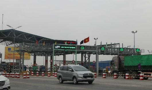 Làn thu phí không dừng tại Trạm BOT Hà Nội - Bắc Giang.