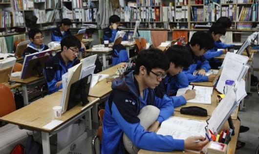 Vòng xoáy gian lận thi cử - Hàn Quốc cũng không ngoại lệ