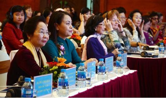 Tỷ lệ nhà khoa học nữ Việt Nam ngày càng tăng