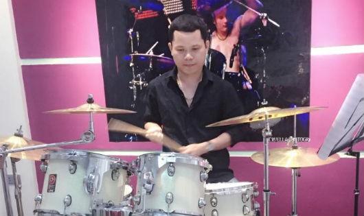 Drum Hùng- người đàn ông mê trống