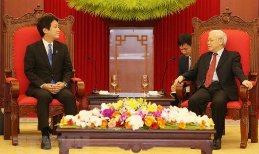 Tổng Bí thư, Chủ tịch nước Nguyễn Phú Trọng tiếp Đặc phái viên của Thủ tướng Nhật Bản.