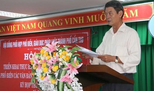 Ông Võ Văn Chính - Giám đốc Sở Tư pháp Cần Thơ tại Hội nghị triển khai thực hiện Ngày Pháp luật năm 2017