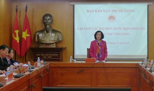 Đồng chí Trương Thị Mai - Ủy viên Bộ Chính trị, Bí thư Trung ương Đảng, Trưởng Ban Dân vận Trung ương phát biểu tại buổi gặp mặt