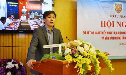 Thứ trưởng Bộ Tư pháp Nguyễn Khánh Ngọc phát biểu tại Hội nghị