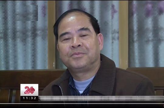 Ông Đinh Bằng My, Hiệu trưởng Trường phổ thông dân tộc nội trú Thanh Sơn, bị tố xâm hại tình dục nhiều nam sinh - Ảnh cắt từ clip VTV