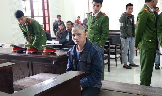 Bị cáo Nguyễn Bá Chín lĩnh án 17 năm tù vì tội Giết người.