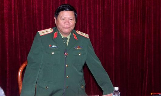 Trung tướng Lê Văn Hoàng – Chính ủy Tổng cục Hậu cần, Phó Chủ tịch thường trực Ủy ban dân số, gia đình và trẻ em Bộ Quốc phòng