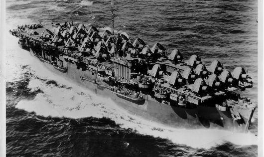 Chiến hạm USNS Card