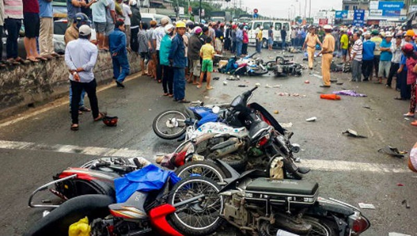 Vụ tai nạn thảm khốc ở Long An