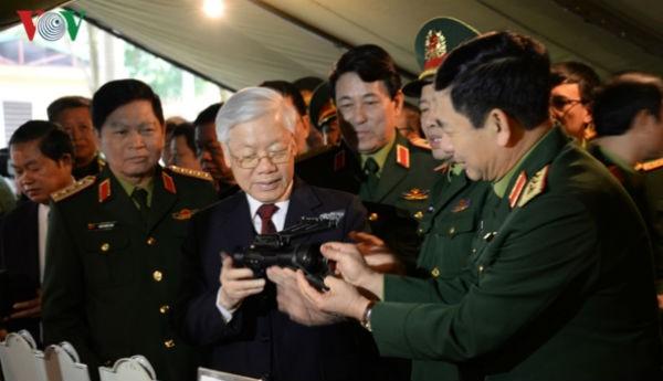 Tổng Bí thư, Chủ tịch nước, Bí thư Quân ủy T.Ư giao chỉ tiêu, nhiệm vụ cho Quân đội