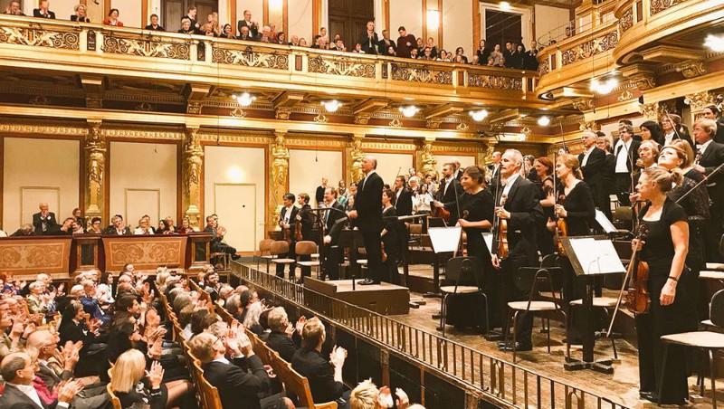 Dàn nhạc Giao hưởng Vienna trong một buổi hòa nhạc tại khán phòng Musikverein