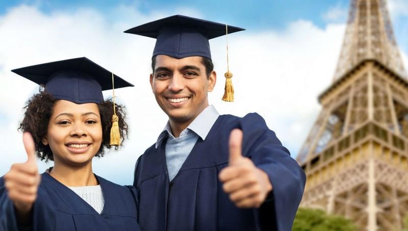 """Pháp tăng học phí để… thu hút sinh viên du học: Nỗi e ngại """"tự bắn vào chân mình"""""""