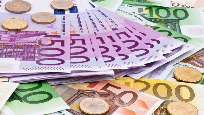 Đồng Euro: 20 tuổi vẫn mơ cường tráng
