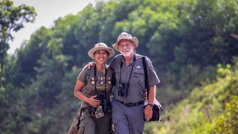 """Tình yêu của """"linh trưởng chúa"""" ở những cánh rừng Việt Nam"""
