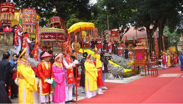 Dâng hương khai xuân tại Hoàng thành Thăng Long