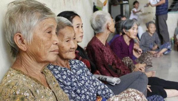 Làm gì khi Việt Nam chỉ 18 năm đã... già?
