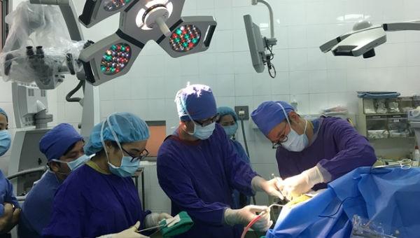 """Ca mổ não """"vừa phẫu thuật vừa hát"""" đầu tiên ở Việt Nam"""