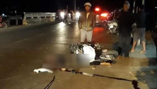 'Đấu đầu' xe đêm Valentine, hai thanh niên văng xuống đường thiệt mạng