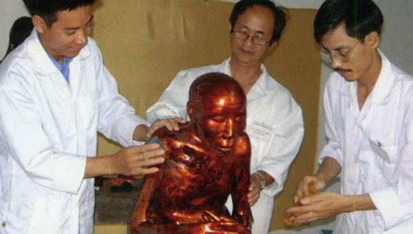 Bí ẩn chưa lời giải sau những pho tượng nhục thân của Việt Nam