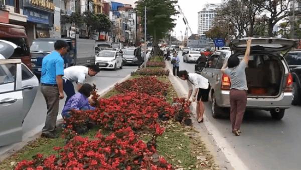 'Bôi bẩn' phố phường, 'bôi bẩn' văn hóa Hà Nội