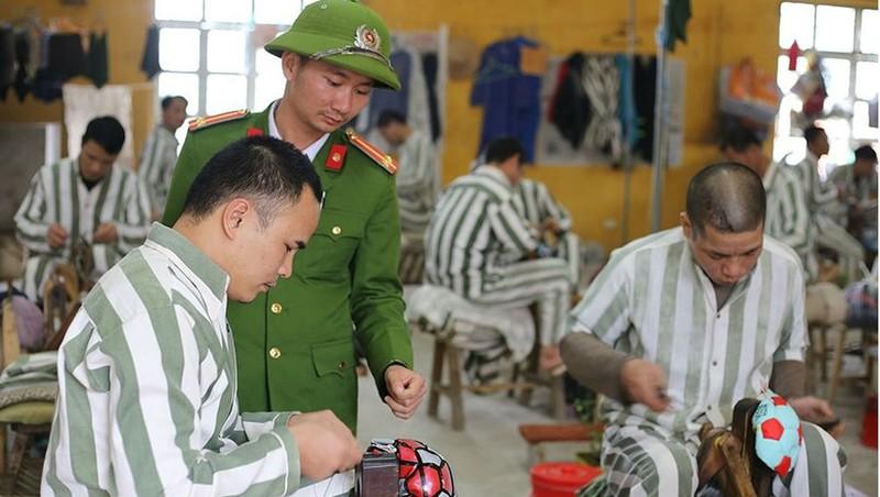 Tiếp tục nâng cao hiệu quả xử lý tiền, tài sản của đương sự trong trại giam