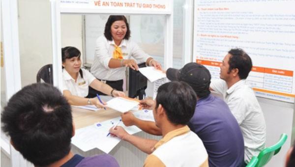 Cho phép nộp hộ tiền phạt VPHC qua bưu điện tạo thuận lợi hơn cho người dân. (Ảnh minh họa)