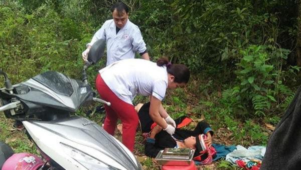 Thai phụ trở dạ sinh con sát bìa rừng