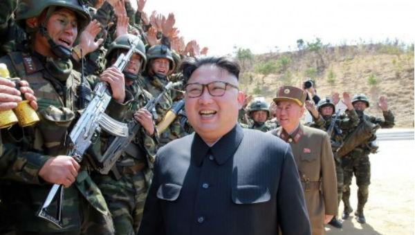 Nhà lãnh đạo Triều Tiên Kim Jong-un thăm một đơn vị đặc nhiệm.