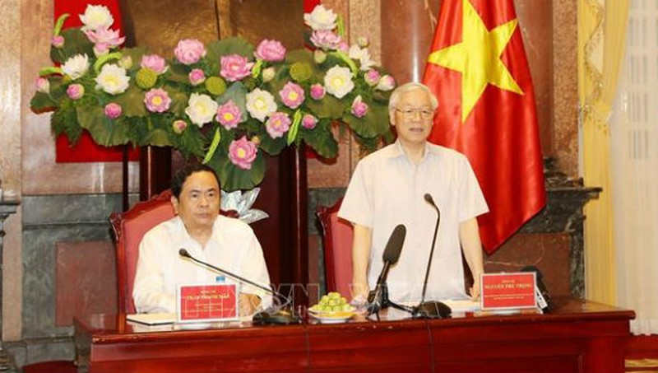 Tổng Bí thư, Chủ tịch nước Nguyễn Phú Trọng nói chuyện với các đại biểu