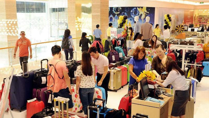 Hiện nay, TP HCM đã là trung tâm mua sắm, thương mại của cả nước.