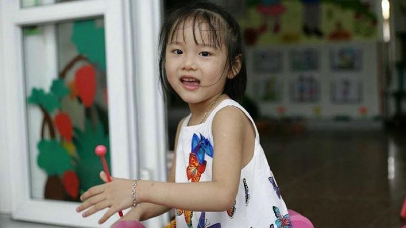 Tưởng nhớ 'Thiên sứ' 7 tuổi hiến giác mạc: Kìm lòng để ngăn nước mắt rơi