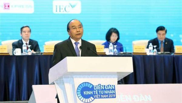 Thủ tướng Nguyễn Xuân Phúc phát biểu tại phiên toàn thể Diễn đàn Kinh tế tư nhân Việt Nam 2019