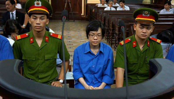 Huỳnh Thị Huyền Như trong một phiên tòa