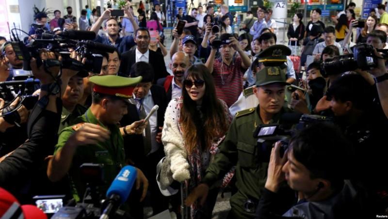 Hình ảnh Đoàn Thị Hương ngày trở về nước