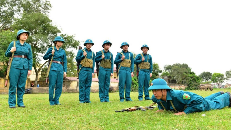 Dân quân huyện Phú Xuyên, Hà Nội luyện tập sẵn sàng chiến đấu