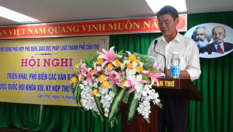 Ông Võ Văn Chính, Giám đốc Sở Tư pháp Cần Thơ phát biểu tại Hội nghị.