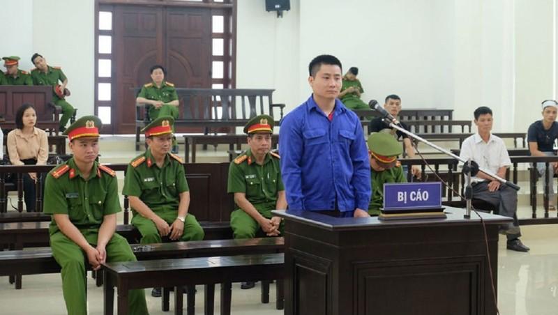 Bị cáo Phạm Quang Hiếu tại tòa.