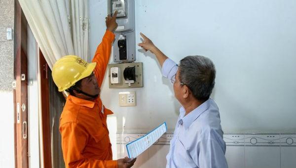 """Bộ Công thương đề nghị có biện pháp xử lý các cá nhân cố tình """"xuyên tạc"""" việc tăng giá điện khiến dư luận ngỡ ngàng. Ảnh minh họa"""