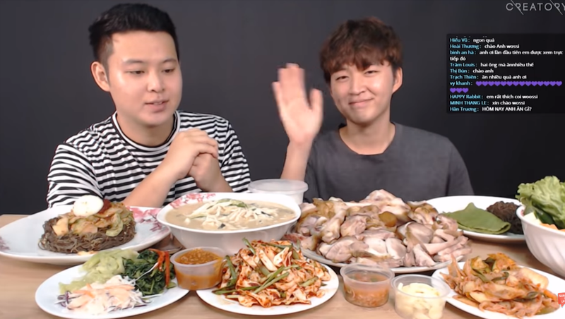 Woosi, một Youtuber Hàn nổi tiếng nhờ các clip ẩm thực tại Việt Nam