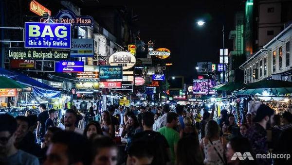 Khu phố đêm Khao San nổi tiếng ở Băng Cốc là nơi xảy ra nhiều vụ bắn súng