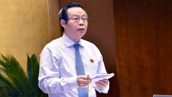 Phó Chủ tịch Quốc hội Phùng Quốc Hiển phát biểu kết luận về nội dung điều hành thảo luận về kinh tế - xã hội, quyết toán ngân sách nhà nước năm 2017