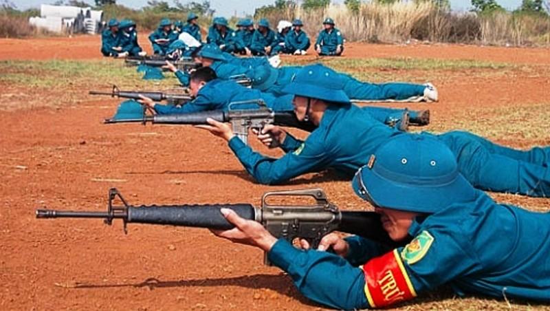 Dân quân tỉnh Đắk Nông luyện tập sẵn sàng chiến đấu.