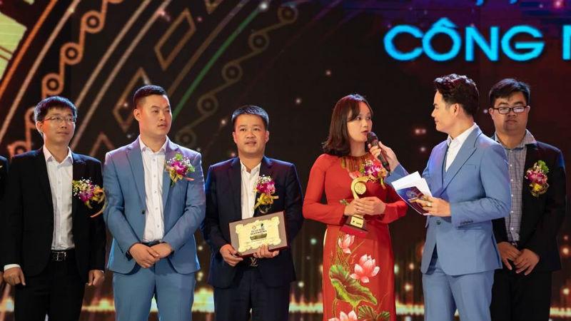 Đại diện Vbee nhận giải Nhì – giải thưởng cao nhất hạng mục CNTT, Giải thưởng Nhân tài Đất Việt 2018