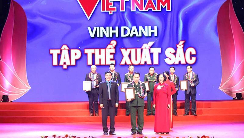 Trưởng ban Dân vận T.Ư Trương Thị Mai vinh danh các tập thể, cá nhân tiêu biểu