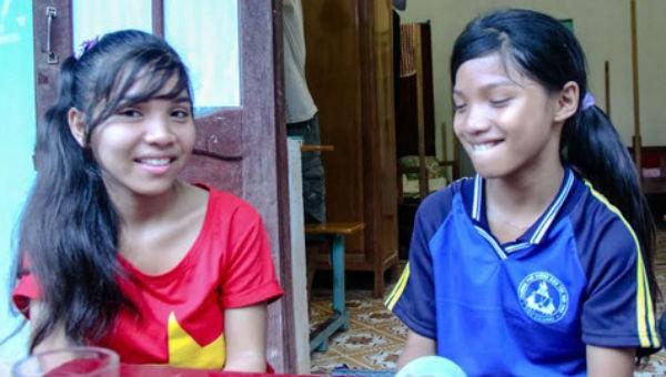 Hai chị em có tên Hàn Quốc: San Ốc và cô em Sun U