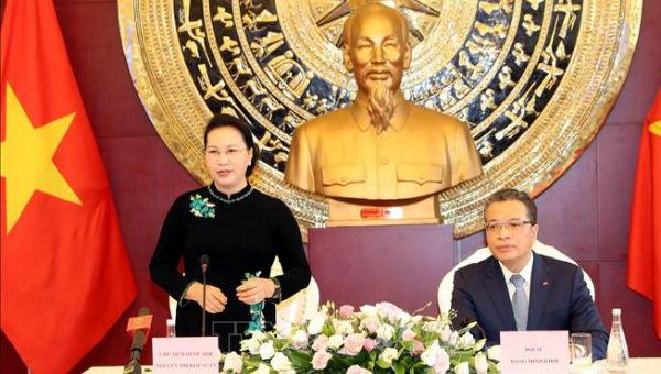Quan hệ thương mại Việt Nam – Trung Quốc Là một lợi thế trong quan hệ giữa hai nước